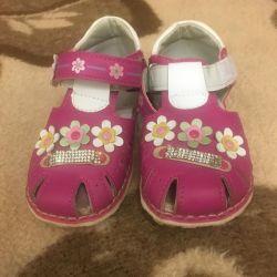 Kız 26 sandalet