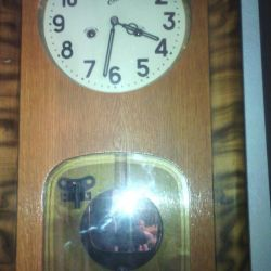 Clock with a fight