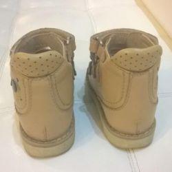 Sert sırtlı ortopedik sandalet