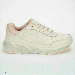 Кросівки жіночі нові