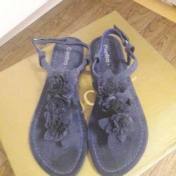 Sandale noi pentru fete