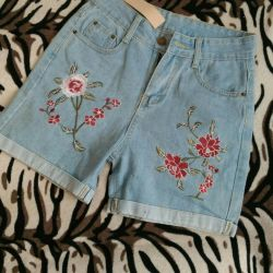New denim shorts with embroidery