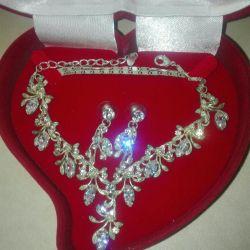 Necklace + earrings + box