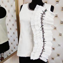 Блузка с красивым декором