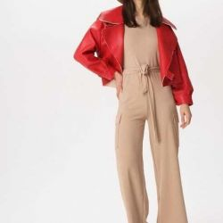 Knitted jumpsuit with pockets ???