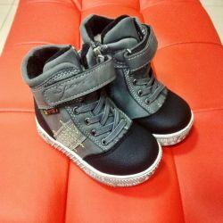 Новые ботинки на шерсти