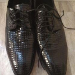 Pantofi pentru bărbați noi 39