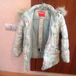 6-8 yıl bir kız için sıcak bir yelek ile ceket.