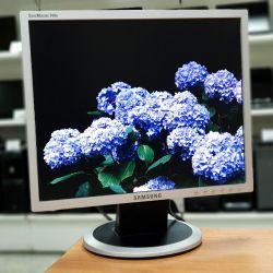 Samsung 740N D 17