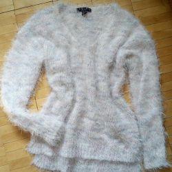 Volumetric sweater s