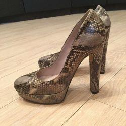 Pantofi noi nat.kozha Suedia
