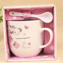 Gift set: mug + spoon in a box.