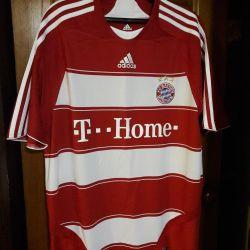 Tricou din Bayern Munchen. Toni. Nativ.