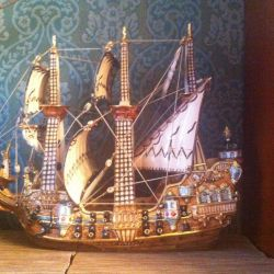 Statuette: Ship with a secret! Power tool