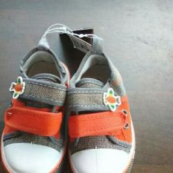 New size 21 sneakers