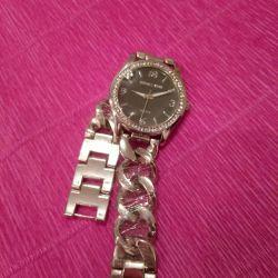 Ρολόι νέων γυναικών