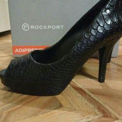Pantofi din piele de dimensiune 36