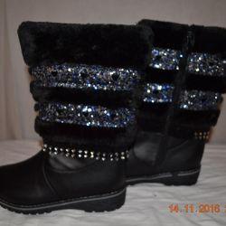 Kışın kız için sıcak kışlık botlar
