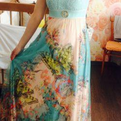 Новое нарядное легкое платье