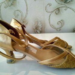 Deri sandalet, 38, altın