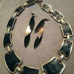 Set (earrings + necklaces) / jewelry