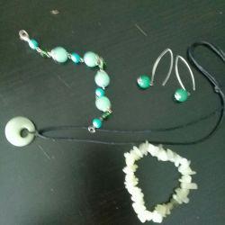 Set de bijuterii din piatră de jad