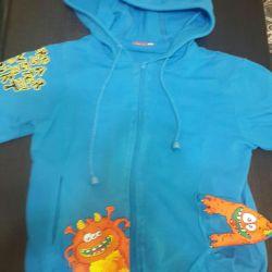 Τρία μπλουζάκια της εταιρείας Pelican, ηλικίας 4-5 ετών