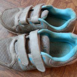 Spor ayakkabı 33 rr