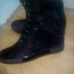 Boots demi season sneakers p 38
