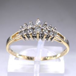 Gold ring with 14 diamonds 0.3 ct Italy