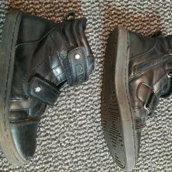 продам ботинки р 32 осень