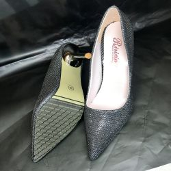 Silver shoes Cinderella 34r. New!