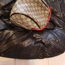 Jacket Bomber and Gucci Backpack