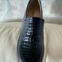 Women's shoes r 40.