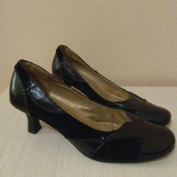 Pantofi din piele, dimensiune 40