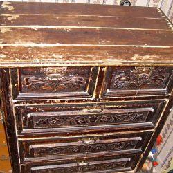 Dulapul sertarelor este din lemn, înainte de război. URSS.