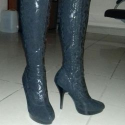Boots of stockings