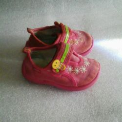 Shoes 20 p.