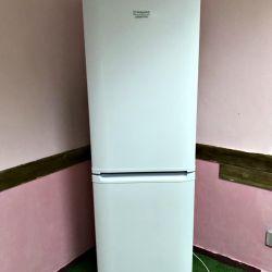 Холодильник Ariston 2 метра.Гарантія, Доставка