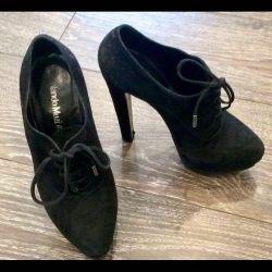 Παπούτσι Nando Muzi σουέτ με κορδόνια, μαύρο