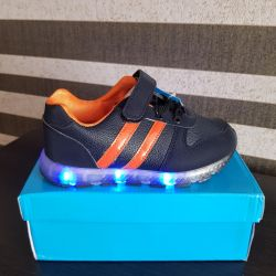 Кросівки дитячі з USB