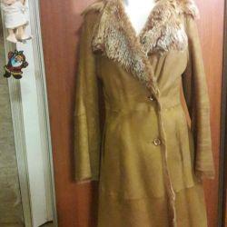 Sheepskin θηλυκό παλτό από taskana.