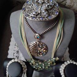 Bijuterie din metal + perle.