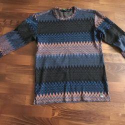 Mondo pulover folosit