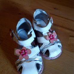 Sandals size 20