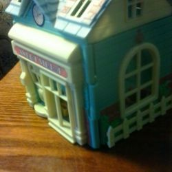 Toy-building Small house with furniture