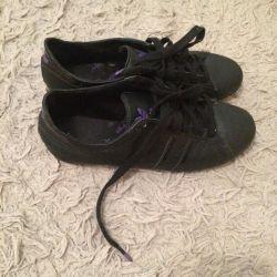 Кроссовки Adidas Original.