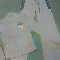 Αθλητικό κοστούμι βελούδου με πούλιες 42 μεγεθών