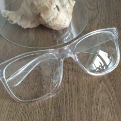 Very stylish glasses in a transparent frame.