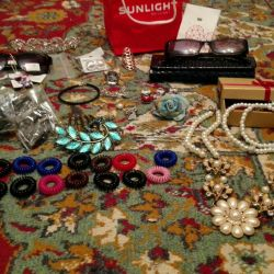 Accessories and jewelry, set